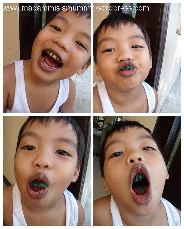 Aki: I have green yayay (saliva)!  So cool!